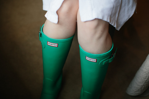 bride in green welly boots