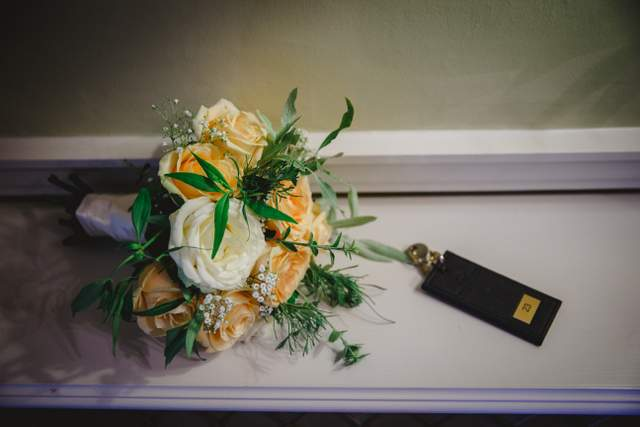 peach and white brides bouquet