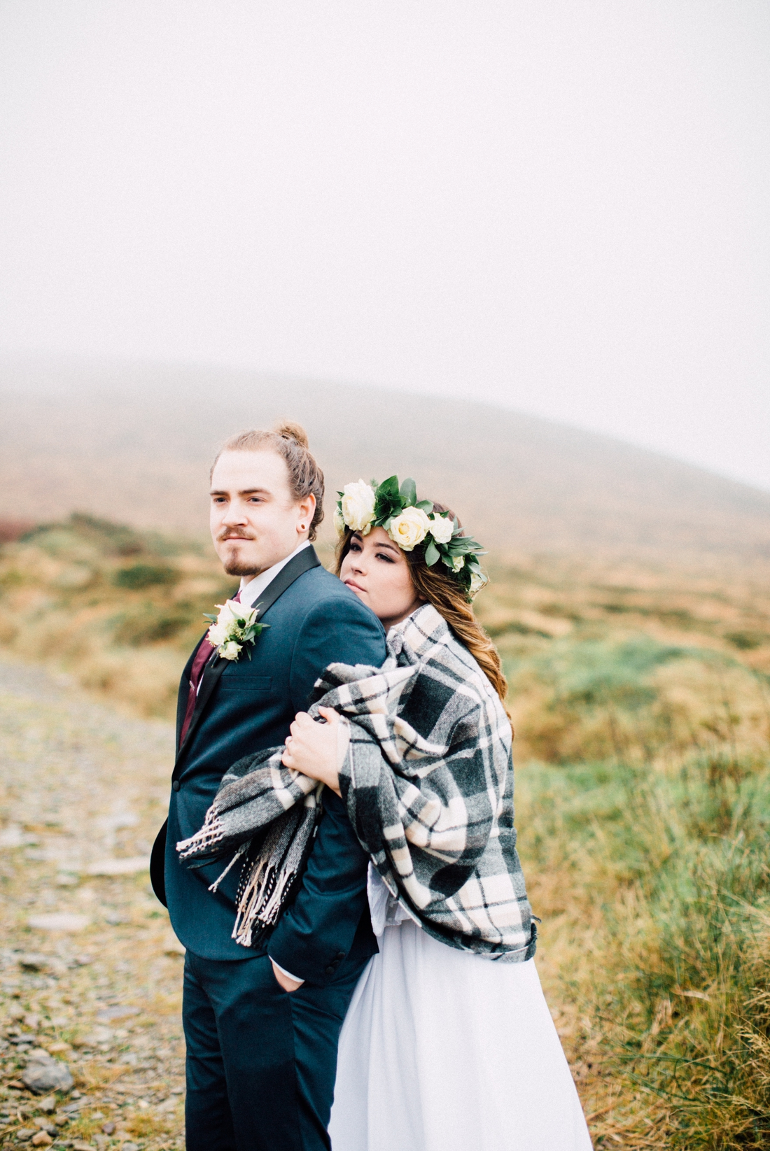 Hints and tips-Elope to Ireland Plaid wedding wrap Irish wedding elope to Ireland photo by White Cat Studio