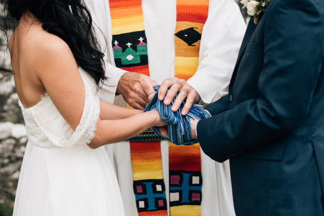 Celtic hand fasting ceremony Ireland Elope