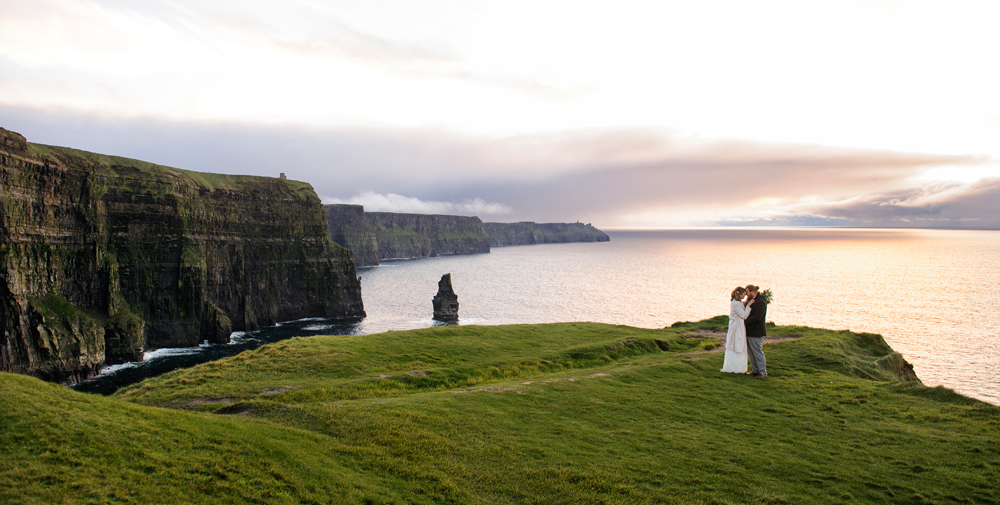 A couple elope to ireland and newtown castle and cliffs of moher
